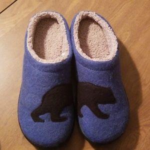 L.L. Bean New slippers
